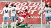 Mason Greenwood saat mencetak gol ketika MU melawan West Ham (AP)