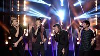 Penampilan One Direction di American Music Awards 2015 (REUTERS/Mario Anzuoni)