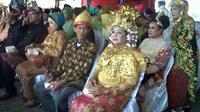 Sebanyak 34 pasangan hadir untuk mengikuti program nikah massal yang dilaksanakan di Palembang.