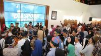 Bupati Banyuwangi Abdullah Azwar Anas mengundang para perantau yang merayakan Lebaran di Banyuwangi untuk hadir dalam acara Diaspora Banyuwangi di pendopo kabupaten.