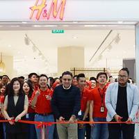 Opening store H&M Senayan City. Sumber foto: Instagram/Senayan City.
