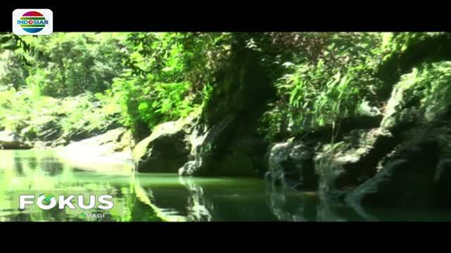 Di hulu sungai, pengunjung akan melihat pemandangan alam yang menakjubkan di mana aliran sungai yang diapit oleh bebatuan yang menyerupai Green Canyon.