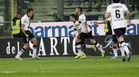 Selebrasi Parma saat melawan Inter (AFP)