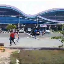 Massa Aksi Rusak Fasilitas di Bandara Sorong, Papua (Foto: Istimewa)