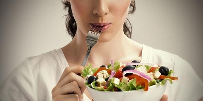 Makan lebih sering juga salah satu cara cepat menggemukkan badan./Copyright Shutterstock