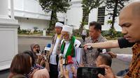 Pemimpin Pondok Pesantren Roudotul Ulum Pandeglang, Banten, Abuya Muhtadi Dimyathi. (Liputan6.com/ Lizsa Egeham)