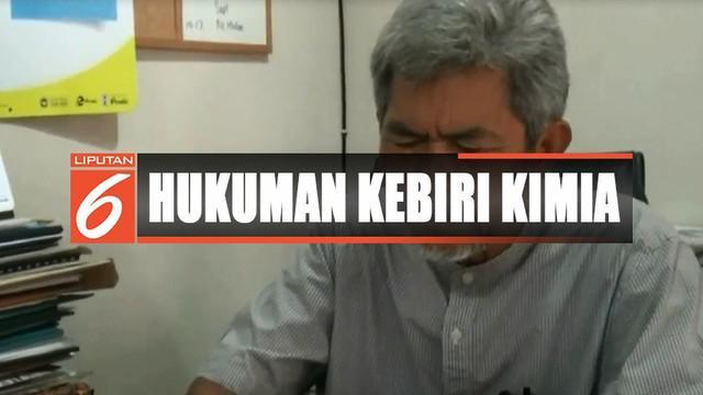 Ikatan Dokter Indonesia menolak untuk menjadi eksekutor hukuman kebiri, karena bertentangan dengan sumpah, etika, dan disiplin kedokteran yang berlaku.