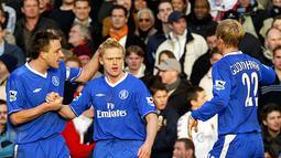 1. Chelsea 2004-2005 – Pada tahun tersebut Chelsea berhasil meraih 95 poin. Hasil tersebut pencapaian dari 29 kemenangan dan delapan hasil imbang. Ini adalah musim pertama Jose Mourinho melatih Chelsea. (AFP/Joshua Roberts)