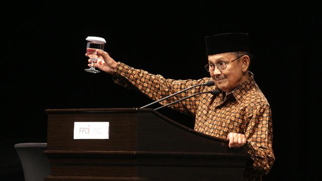 Kata Kata Bijak Bj Habibie Yang Menginspirasi Surabaya