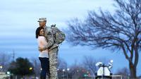 Curhatan-curhatan para tentara dan pasangannya. Source: news.qq.com
