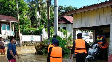 Aparat fokus dalam evakuasi korban banjir di Malinau Kaltara