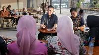 Bakal cagub Sumbar Mulyadi menerima pengaduan warga (Istimewa)