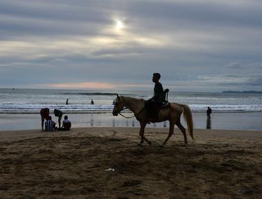 Menghabiskan Libur Lebaran di Pantai Lhoknga Aceh Besar