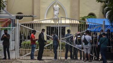 Suasana Mencekam Gereja Katedral Makassar Usai Ledakan Bom