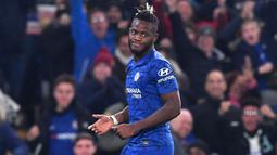 Michy Batshuayi merupakan pemain Chelsea yang jarang terdengar. Ia didatangkan The Blues sejak 2016 silam, namun hingga kini dirinya hanya mampu tampil sebanyak 77 kali di semua ajang. Pada musim lalu Batshuayi dipinjamkan ke Crystal Palace, namun tak mampu tampil cemerlang. (Foto: AFP/Ben Stansall)