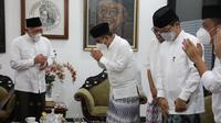Sekjen Partai Gerindra Ahmad Muzani memperingati Hari Santri Nasional pada hari ini, Jumat (22/10/2021) dengan bersilaturahmi ke Pondok Pesantren Tebuireng Jombang pimpinan KH. Abdul Hakim Mahfudz. (Ist)