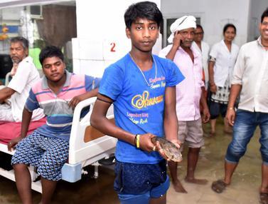 Lantai Rumah Sakit di India Penuh dengan Ikan