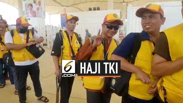 Ratusan TKI di Korea Selatan berangkat haji dari negara tersebut. Mereka hanya memerlukan waktu seminggu untuk mendapat kepastian berhaji. Merekan membayar biaya sebesar USD 5.000 untuk bisa berhaji.