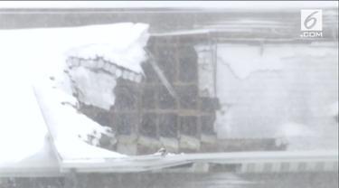 Cuaca buruk di Amerika Serikat membawa dampak kerusakan fasilitas dan pemukiman penduduk.