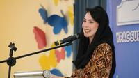 Arumi Bachsin memberikan sambutan pada Peringatan 63 Tahun YPAC Surabaya di Aula Jati Asih Yayasan Pembinaan Anak Cacat (YPAC) Surabaya. (Liputan6.com/IG/@humasprovjatim)