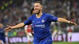 Eden Hazard. Gelandang serang asal Belgia ini didatangkan Chelsea dari Lille pada awal musim 2012/2013. Total 7 musim, ia tampil dalam 352 laga dengan torehan 110 gol dan 92 assist. Pemain dengan dribble dan umpan mumpuni ini dilepas ke Real Madrid pada awal 2019/2020. (Foto: AFP/Kirill Kudryavtsev)