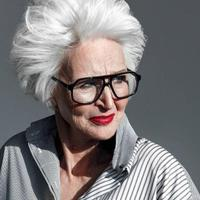 Masih aktif modelling, gaya lansia ini bikin takjub. (Sumber foto: oldushkamodels/instagram)