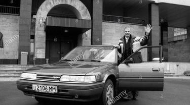 Lev Yashin dan Mazda