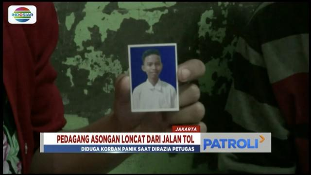 Hindari kejaran petugas, pedagang asongan ini lompat dari jalan Tol Sedyatmo, Ancol, kemudian tewas.