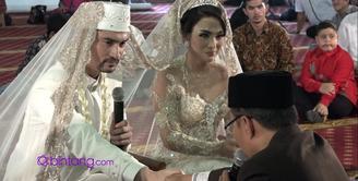 Reza telah resmi menjadi suami sah dari Astrilika Lintong, setelah menjadi pasangan suami istri, mereka berdua beri kepercayaan satu sama lain.