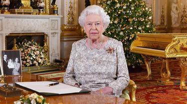 Ratu Elizabeth II, Pangeran William, dan Kate Middleton