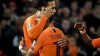 Virgil van Dijk dan Memphis Depay menyumbang gol untuk Belanda di kualifikasi Piala Eropa 2020 (Koen van Weel / ANP / AFP)