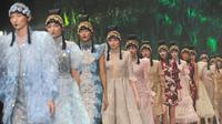 Berikut koleksi busana menyambut Imlek dari Sebastian Gunawan dengan nuansa keindahan alam Tiongkok. (Foto: Liputan6.com/Herman Zakharia)