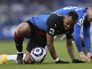 FOTO: Imbang 1-1 dengan Crystal Palace, Everton Tertahan di Posisi 8 - Jordan Ayew; Gyfi Sigurdsson
