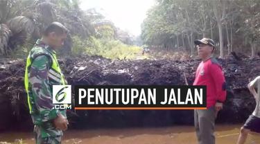 Sebuah video menggambarkan puluhan warga memprotes pembuatan kanal sempat viral di media sosial. Dalam video itu, seorang warga mengatakan kejadian ini terjadi di Kelurahan Tanjung Kapal, Kecamatan Pulau Rupat Selatan, Kabupaten Bengkalis.