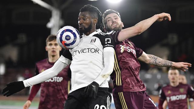 FOTO: Gol Patrick Bamford dan Raphinha Bawa Leeds United Tekuk Fulham 2-1 - Andre-Frank Zambo Anguissa; Stuart Dallas