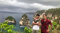 Dua pesepak bola muda Indonesia, Antoni Putro Nugroho (kiri) dan Bagas Adi Nugroho. (Bola.com/Iwan Setiawan)