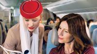 Pramugari Emirates. (dok.Instagram @emirates/https://www.instagram.com/p/B5X4HEmJM7l/Henry)