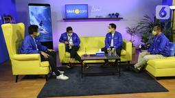 Menteri Pariwisata dan Ekonomi Kreatif Sandiaga Uno (kedua kiri) didampingi CEO tiket.com George Hendrata, Co-Founder & Chief Marketing Officer Gaery Undarsa dan Chief People Officer Dudi Arisandi pada diskusi perdana tiket LIVE di tahun 2021 di Jakarta (25/01/2021). (Liputan6.com/Fery Pradolo)
