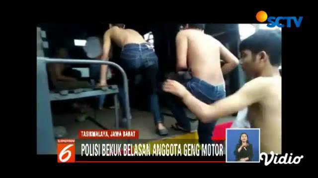 Belasan remaja yang mengaku anggota geng motor XTC dan Brigez ini dibekuk setelah melakukan penganiayaan dan perusakan sejumlah kendaraan yang terparkir.