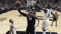 LaMarcus Aldrige (no 12) memimpin Spurs kalahkan Warriors pada laga NBA (AP)