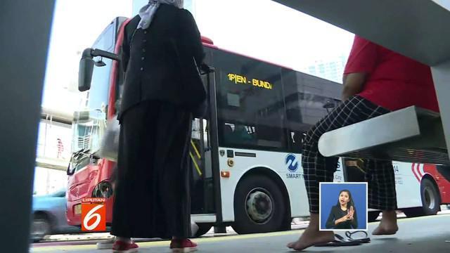Transportasi umum seperti MRT dan Transjakarta di daerah Sudirman, Jakarta, beroperasi terbatas pascarusuh 21 dan 22 Mei.