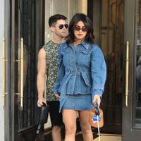Priyanka Chopra dan Nick Jonas (FOTO: Splashnews)