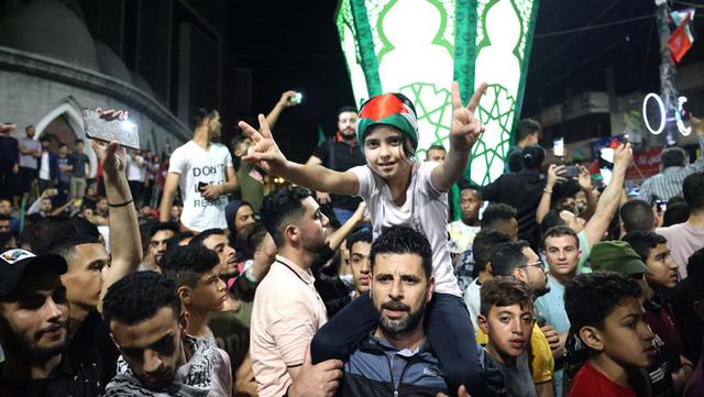 FOTO: Warga Gaza Rayakan Gencatan Senjata Israel - Hamas