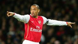 Thierry Henry - Striker asal Prancis ini tercatat memiliki 175 gol selama berkarier di Premier League ketika memperkuat Arsenal. (AFP/Carl De Souza)