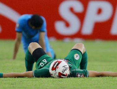 FOTO: Diwarnai 1 Kartu Merah dan 1 Tendangan Penalti, PSS Sleman Harus Puas Imbang 0-0 dengan Persela Lamongan - Derry Rachman