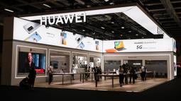 Foto yang diabadikan pada 3 September 2020 ini memperlihatkan stan Huawei dalam pameran IFA 2020 di Berlin, ibu kota Jerman. Pameran perdagangan teknologi itu dibuka di Berlin pada Kamis (3/9) dengan skala yang diperkecil akibat krisis virus corona yang masih berlangsung (Xinhua/Shan Yuqi)
