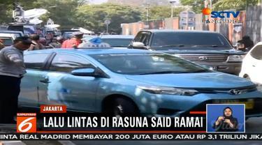 Situasi terkini lalu lintas di Rasuna Said. Jelang pelepasan jenazah Presiden ke-3 RI, BJ Habibie dari rumah duka di Kuningan, Jakarta Selatan.