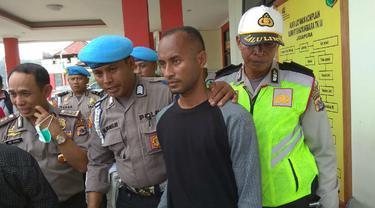 Cerita Anggota Polisi Menyelamatkan Diri dari Tembakan Kelompok Bersenjata Papua