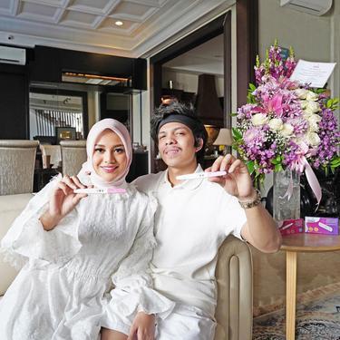Atta Halilintar dan Aurel Hermansyah Pamer Hasil Test Pack Garis Dua.