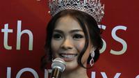 Kezia Warouw berhasil mengukir prestasi saat mengikuti ajang Miss Universe 2016 yang digelar di Manila, Jakarta, Selasa (7/2). Kezia Warouw menyabet gelar Best National Costume. (Liputan6.com/Herman Zakharia)